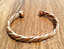 Brass and Copper Magnetic Bracelet to Treat Arthritis